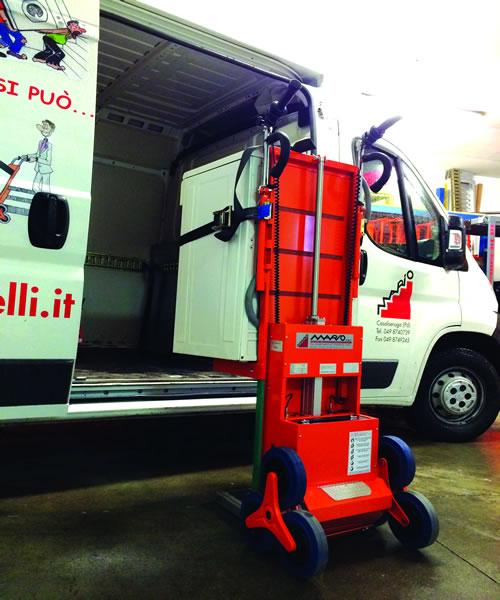Carrello Saliscale Elettrico Senior Cs60 Per Trasporto Bombole
